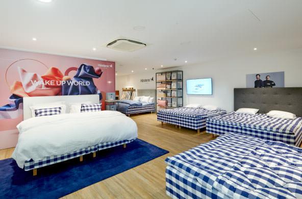 Hastens-Beds-In-The-Sleep-Studio-At-Horsham-Bedding-Centre